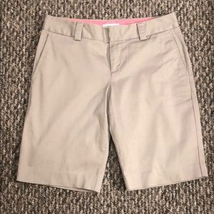 Banana Republic khaki shorts. Like new!  Size 6.